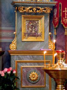 Фотография киота с Иверской иконой Божией Матери