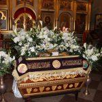 Украшение Плащаницы на Пасху в Иверском храме