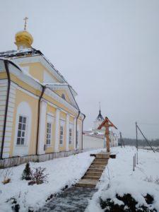 Поклонный Крест на месте памятного дуба