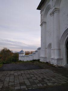 Переславль. Троицкий Данилов монастырь. Вид на стены
